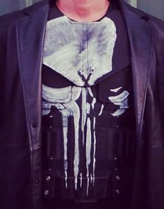Punisher Logo, The Punisher, Marvel Comics Art, Marvel Movies, Punisher Cosplay, Frank Castle Punisher, Dota 2 Wallpapers Hd, Marvel Costumes, Tactical Vest