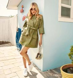 Chloe Sevigny Brings A Cool Girl Attitude to Jimmy Choo Boho Fashion, Fashion Outfits, Fashion Design, Fashion Trends, Ladies Fashion, Chloe Sevigny Style, Girl Attitude, Inspiration Mode, Jimmy Choo Shoes
