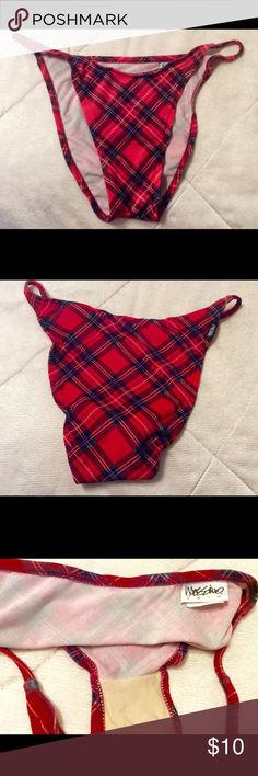 Massimo vintage plaid red bikini bottoms like new Cool 90's Massimo brand vintage red plaid bikini bottoms like new sz L probably fit a 6/8 or juniors 9/10 high cut hardly ever worn ? look new! But vintage from 90's I think? Massimo Swim Bikinis