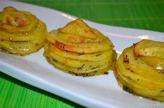 Le torrette di patate sono una simpatica alternativa alle classiche patateal forno, semplici da fare e carine da vedere. Le erbe che ho scelto per insaporire il