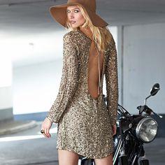 long sleeve short dress. love.