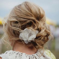 Messy up do...I like this.