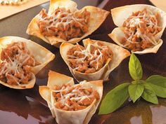 To dress up these tasty appetizers, use small cookie cutters to cut shapes out of additional wonton wrappers. Bake until lightly browned and serve with the wonton cups. Wonton Wrapper Appetizers, Wonton Wrappers, Christmas Appetizers, Appetizers For Party, Appetizer Recipes, Christmas Recipes, Wonton Appetizers, Christmas Apps, Elegant Appetizers