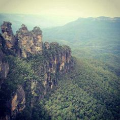 Three Sisters seen from Echo Point