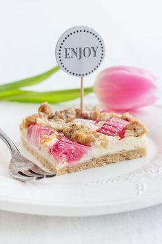Rezept für Rhabarber-Käsekuchen mit Mandelstreuseln    Recipe rhubarb cheesecake