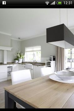Keuken Kitchen Dining, Dining Rooms, Home Living Room, Home Projects, Home Kitchens, Sweet Home, New Homes, House Design, Interior Design