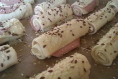 5 Ingredient Desserts, Aesthetic Food, Finger Foods, Tapas, Catering, Sushi, Sausage, Brunch, Food And Drink