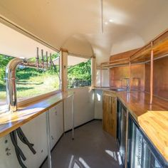 Horse Box Trailer Bar - Cleverbox Trailer Interior, Truck Interior, Bar Interior, Food Trucks, Hy Citroen, Speakeasy Decor, Horse Box Conversion, Coffee Food Truck, Bar On Wheels