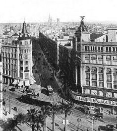 BARCELONA...LOS PRIMEROS GRANDES ALMACENES...7-04-2013...