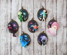 Steven Universe Cameo Necklace / Steven Universe Jewelry / Polymer Clay Jewelry / Pearl / Rose / Garnet / Peridot / Lapis Lazuli / Amethyst  Selection of my Steven Universe Necklace Collection. Each Character comes on a Galaxy Background, which was drawn with clay. The Characters