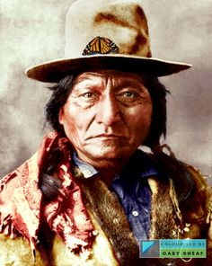 Sitting Bull, Monarch Butterfly, Fur Trim, Jacket, Hats, How To Wear, Fashion, Moda, Hat