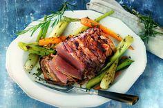 hoofdgerecht) Rosbief met groenten uit de oven - Recept - Allerhande