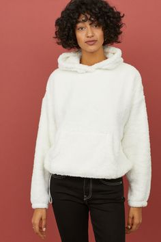 Long-sleeved, hooded top in soft faux shearling with dropped shoulders, kangaroo pocket, and elasticized cuffs. Hooded Sweater, White Hoodie, Lady, Fashion Online, Hoods, Black Women, Latest Trends, Turtle Neck, Sweatshirts