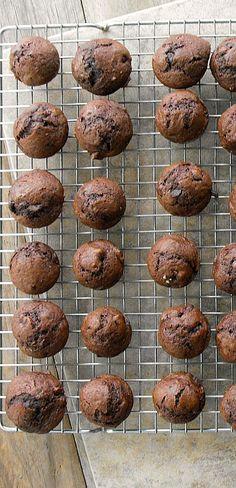 Copycat Costco Chocolate Chip muffins (mini sized)