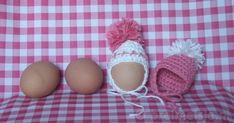Gratis patroon voor het haken van eiermutsjes, eenvoudig en snel klaar. Wees eerlijk... wat staat er nu leuker op tafel dan zelfgemaakte eiermutsjes?