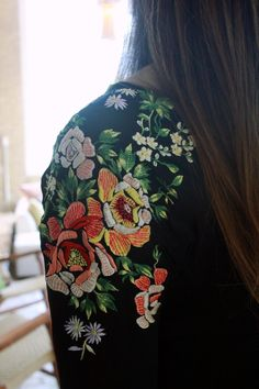 embroidery on jacket- maybe could use some embroidered Spanish shawls for altar, w pretty fringing?