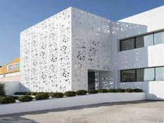 ULMA PARTICIPATES IN THE RESTORATION OF THE ESSENTIAL COMPOSITIONS FACADE | ULMA Architectural
