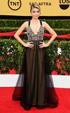 2015 SAG Awards Red Carpet Arrivals: See Sarah Hyland, Gretchen Mol and More! | E! Online Mobile.  Sarah Hyland looks gorgeous.