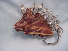 Vrba Dramatic Sculpture Double Horse Head Pin