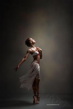 Ballerina Evelina Godunova - Photo by Mark Crislip Ballet Poses, Ballet Dancers, Ballerina Poses, Ballet Art, Dance It Out, Just Dance, Christina Ricci, Ballet Beau, Dance Like No One Is Watching