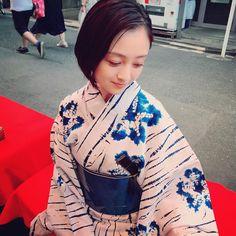 Romantic Dates, Yukata, Kimono Top, Bomber Jacket, Hair Beauty, Beautiful Women, Kawaii, Actresses, Lady