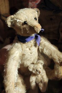 Old Steiff Teddy Bears from Suomenlinna Toy Museum collection, Helsinki, Finland. #toymuseumhelsinki #lelumuseohelsinki #steiff