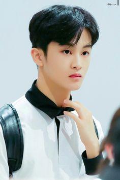 You're my moonlight, sunshine, and morning day ♡ Mark Lee, Nct U Members, Nct 127 Mark, High School Crush, Lee Min Hyung, Jung Woo, Ji Sung, Hyungwon, Kpop