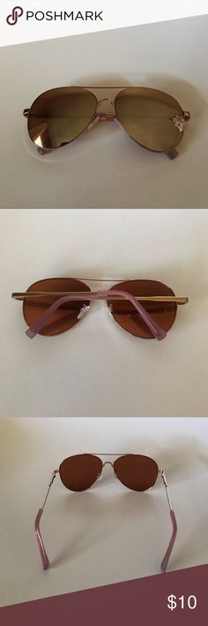 Rose Gold Large Glasses . Rose gold large aviator glasses from Express. These were used 2 times. The lenses are mirrored rose gold. They fit well, are not stretched out. Originally $30. Do no have original case . Express Accessories Glasses