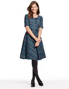 Isla Dress WH703 Smart Day Dresses at Boden. I want to find a pattern to sew this!- JeniK