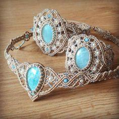 Macrame jewellery set with amazonite. Bracelet, armlet and headpiece #svitoe #bracelet #armlet #tiara #headpiece #micromacrame #macrame #jewellery #amazonite #Swarovski #swarovskipearls #gems #handmade #boholook #boho #bohemian