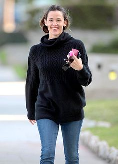 Jennifer Garner, whose hubby had a chummy reunion with ex-fiancee Jennifer Lopez when he attended the Oscars 2015 solo, went for a fresh-faced amble in Santa Monica Feb. 24.