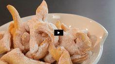 Vous aimez les bugnes ? Voici une recette en vidéo pour préparer cette spécialité lyonnaise.