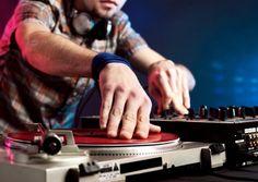 BBC Radio 6 Music - Steve Lamacq, 1994 Day, A very British movement: the jungle music scene in 1994 Learn To Dj, Dj School, Great Date Ideas, Jungle Music, Digital Dj, Library Inspiration, New Teen, The Right Stuff, Dj Equipment