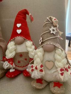 Valentine Day Wreaths, Valentine Decorations, Valentine Crafts, Holiday Crafts, Girl Gnome, Gnome Hat, Elves And Fairies, Theme Noel, July Crafts