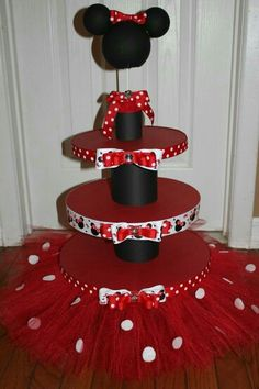 Fabulous Minnie Mouse Cake And Cupcake Stand With Red Tutu And Featuring Black Holder And Minnie Decoration Minnie, Birthday Decorations, Pig Decorations, Minnie Mouse Theme, Minnie Mouse Baby Shower, Pink Minnie, Mickey Party, Mickey Mouse Birthday, Diy For Kids