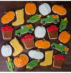 Buttercream Decorating, Cookie Decorating, Decorating Tips, Sugar Cookie Royal Icing, Sugar Cookies, Jenny Cookies, Cookie Recipes, Cookie Ideas, Fall Cookies