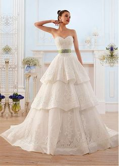 Junoesque Tulle Sweetheart Neckline Ball Gown Wedding Dress With Beaded Lace Appliques #weddingdress #weddinggown #bridaldress #bridalgown #ballgown