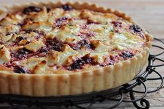 ¤¤¤¤¤¤¤¤¤¤ Forum Thermomix - The best Thermomix recipes and community - Beetroot & Goats Cheese Tart Goat Cheese Quiche, Quiche Recipes, Beetroot, Tarts, Vegetarian, Lovers, Sweets, Lunch, Community