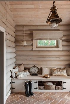 Rustic mudroom and entryway summer house interiors, cottage interiors, log cabin interiors, cabin Summer House Interiors, Log Home Interiors, Cottage Interiors, Small Cabin Interiors, Cabin Interior Design, Cabin Design, Rustic Design, Wooden House Design, Interior Shop