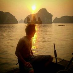 We believe that Halong Bay is one of the most beautiful places in the world, and this #gapsnap from @markotterway1986 totally backs us up. #halong #halongbay #vietnam #sunset #sunsets #sunset_madness #sunsetlovers #travel #traveling #travelling #travelgram #travelphotography #instatravel #gapyear #backpacking.