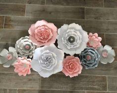 Blush flores de papel luz de color rosa blanco y oro juego