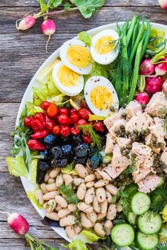 How to Make the Perfect Salad Nicoise ~ a colorful and healthy main course salad ~ theviewfromgreatisland.com