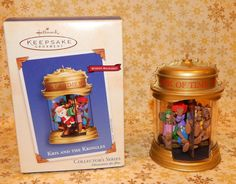 Hallmark Ornament 2002 Kris and the Kringles 2nd Series Windup Movement  #222