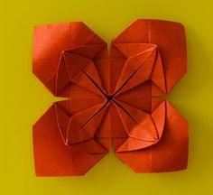 Christmas Wreath - New Poinsettia Model | Origami - Artis Bellus