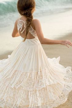 10 beautiful and amazing flower girls dresses for wedding Beach Flower Girls, Flower Girl Dresses Country, Vintage Flower Girls, Wedding Flower Girl Dresses, Cheap Flower Girl Dresses, Flower Girl Outfits, Little Girl Dresses, Girls Dresses, Little Girls