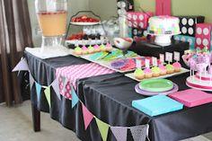 A girly lego party Lego Friends Birthday, Lego Friends Party, Lego Birthday Party, 6th Birthday Parties, Girl Birthday, Birthday Ideas, 9th Birthday, Birthday Cakes, Girls Lego Party