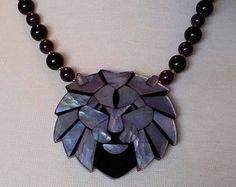 1970's Vintage Lavender Mother of Pearl Lion Necklace