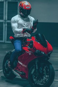 Ducati Motorbike, Ducati Superbike, Motorcycle Suit, Moto Bike, Motorcycle License, Cb 1000, Bike Photoshoot, Motorcycle Photography, Super Bikes