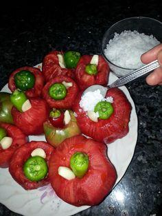 Selma'nın Organik Mutfağı: Kış hazırlıkları Vertical Vegetable Gardens, Turkish Recipes, Bon Appetit, Eat Cake, Pickles, Cooking Tips, Cookie Recipes, Food And Drink, Tasty