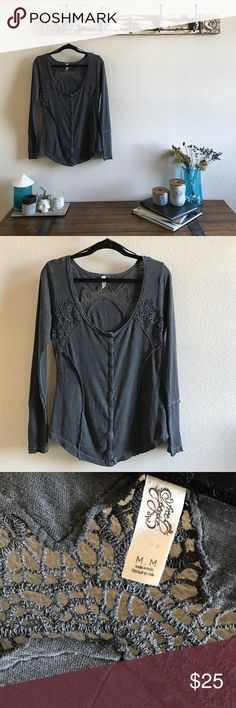 "Free People Boho Top I wore this once and it is freshly dry cleaned. Size medium and meant to fit loose 28"" long and 20"" armpit to armpit. Free People Tops Blouses"